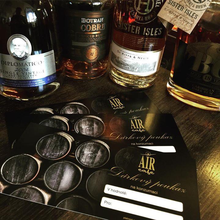 Pokud i letos přemýšlíte nad zajimavým rumovým dárkem, tak se zastavte za náma n