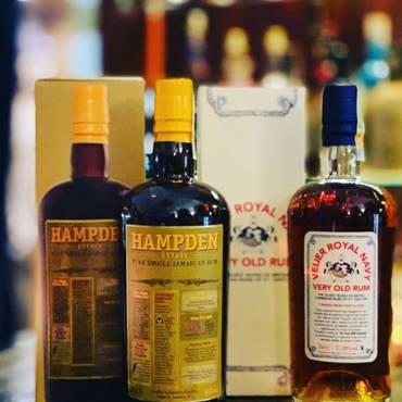 Ale tak jo, je třeba si dělat radost krásnými lahvemi;)  #velier  #rum  #brnopij