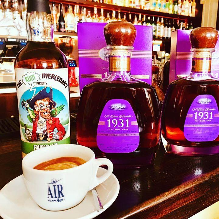 Dobré ráno, startujeme den cappuccinem a rumem:) a vy?:)  #rum  #rumyvaircafe  #