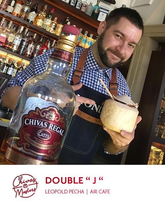 Přátelé, náš barman Leopold Pecha se účastní  prestižní soutěže se značkou Chiva